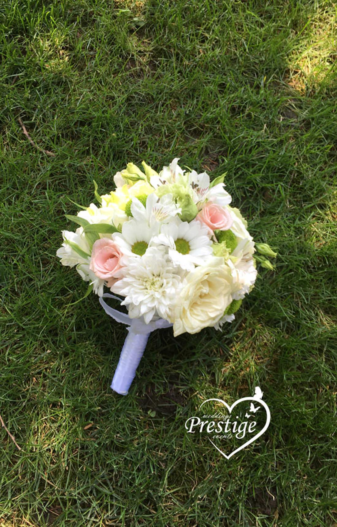 сватба в кралско синьо