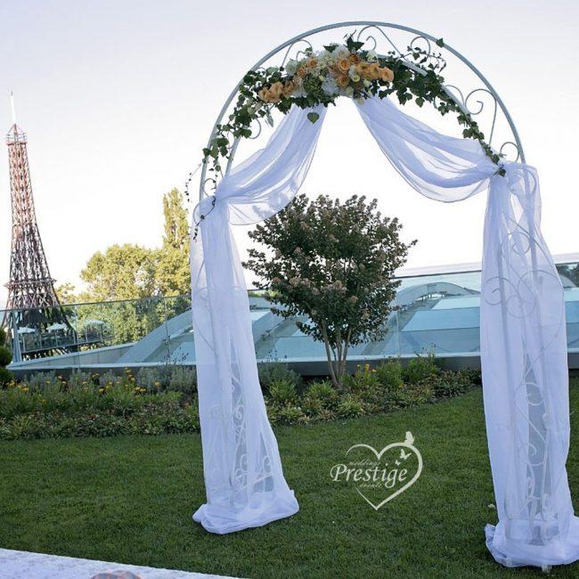 изнесен ритуал арка